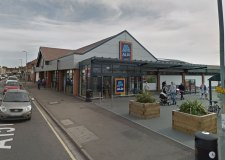 Addict asks to be jailed after stealing from shop