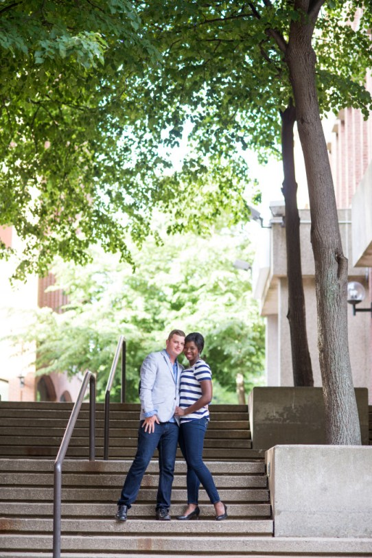 summer engagement photos by Linda Barry Photography