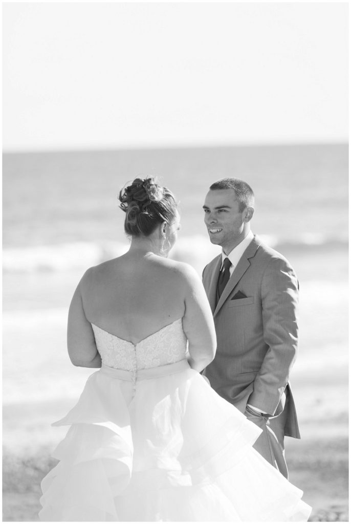 Melanie and Mike were married at Clay Hill Farm in Cape Neddick Maine. Click here to see more beautiful photos by Linda Barry Photography of their burgandy and navy wedding day! First look on York Beach.