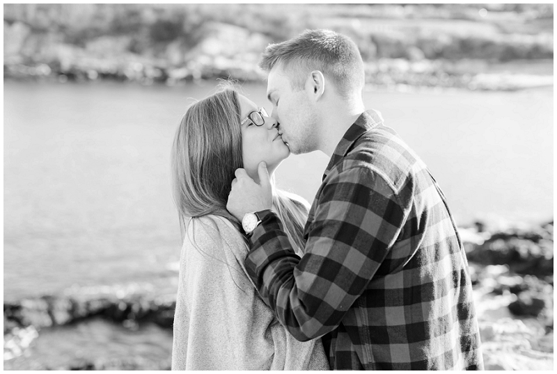 Jenny + Matt had their fall maternity photos at Fort Williams Park in Cape Elizabeth, Maine. All photos by Linda Barry Photography.