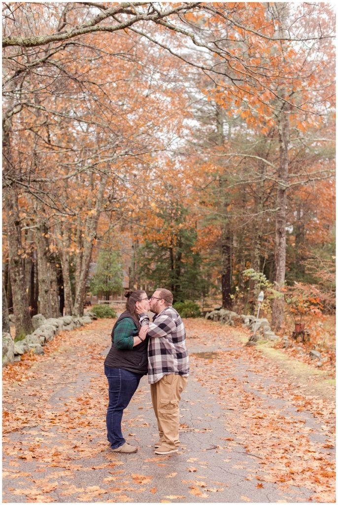 Clay Hill Farm engagement photos by Linda Barry Photography.