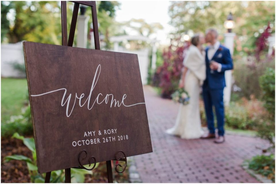 welcome sign for this fall wedding at the Dan'l Webster Inn.