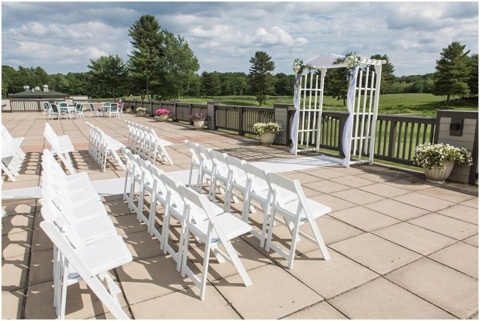 The ceremony site at The Woodlands club.