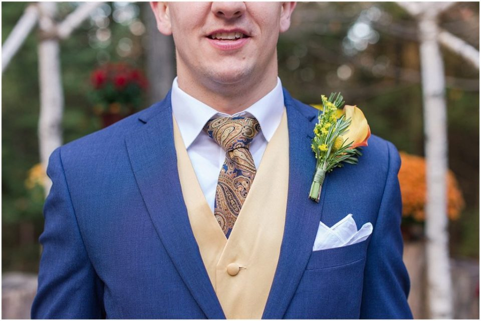 Groom's tie and boutonniere.