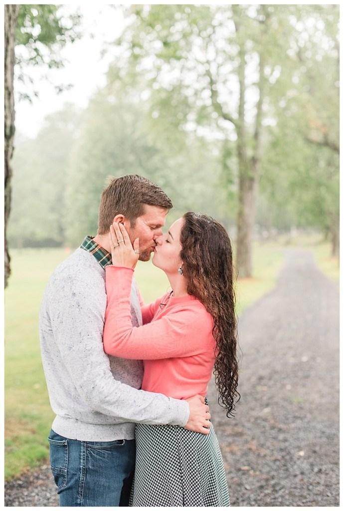 beautiful rainy couples photos in kennebunk