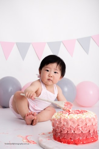 Cake smash 1st birthday photo session 015