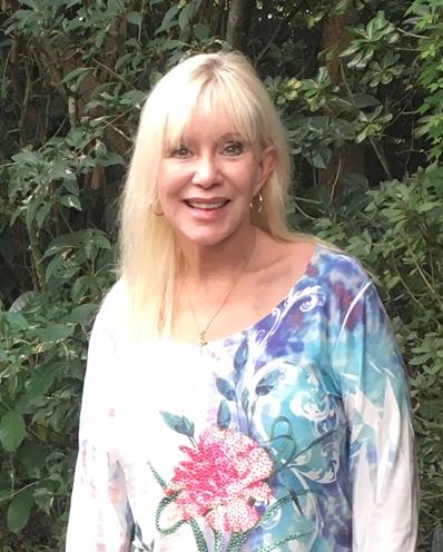 Linda Lavelle, massage service specialist