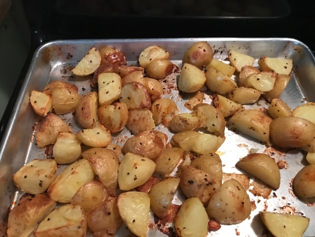 Roasted Potatoes With Red Peppers And Garlic (3)