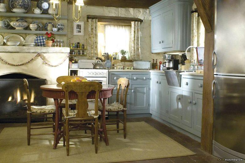The Holiday English Cottage kitchen Cameron Diaz Kate Winslet