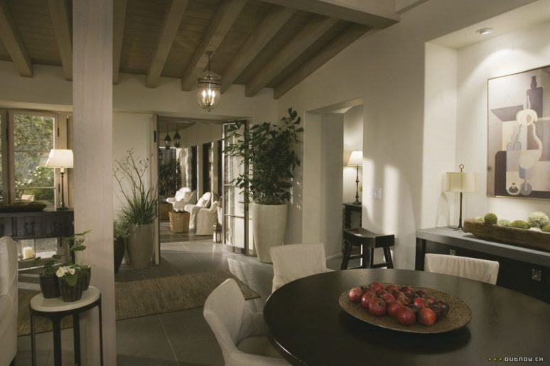 The Holiday LA House first floor Cameron Diaz Kate Winslet