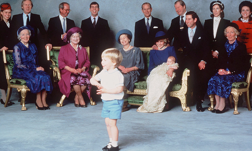 prince-harry-green-sofa-princess diana-t