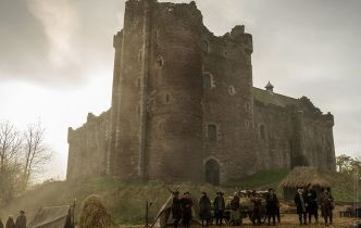 """Silver Screen Surroundings: Outlander, S1E10 """"By The Pricking of My Thumbs"""""""