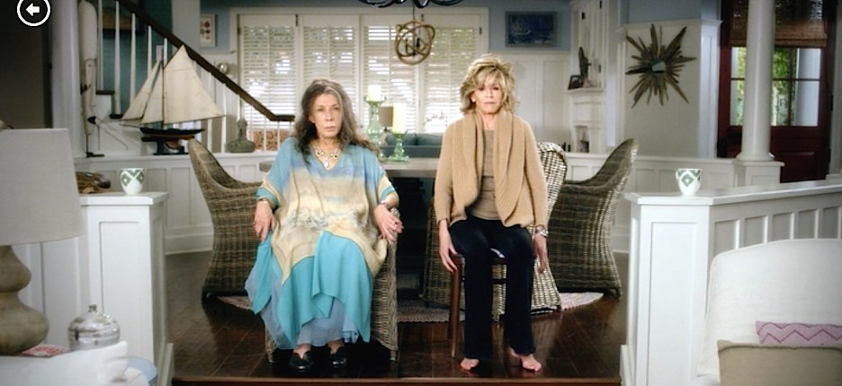 Grace and Frankie Lily Tomlin and Jane Fonda beach house