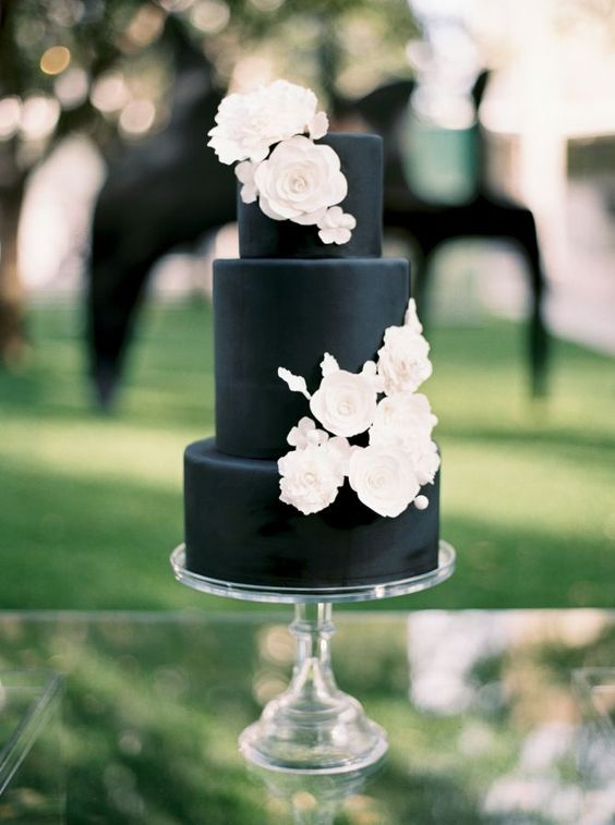 Color of the Month Black and White Sugar Bee Sweets Baker Black and White wedding cake