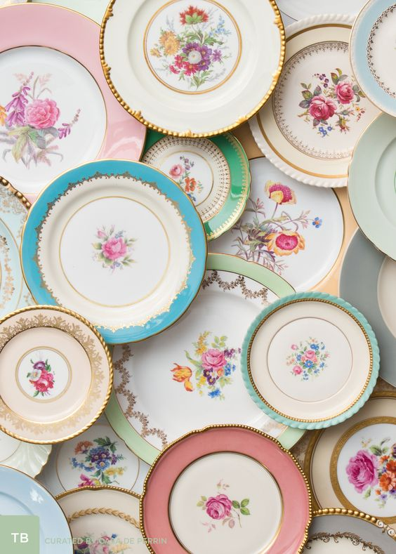 Casa De Perrin botanicals dining plates wedding reception