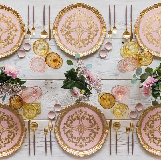 Casa de Perrin pink and gold tablescape wedding reception