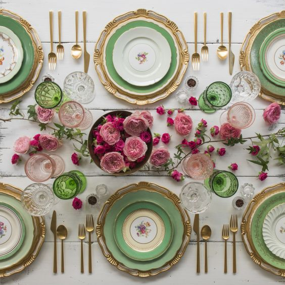 casa de perrin green gold table setting wedding reception