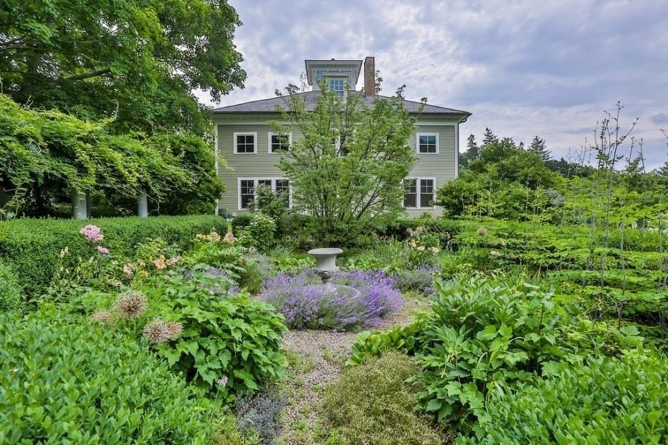 Newburyport modern carriage house conversion Andrew Sidford Architect exterior 6