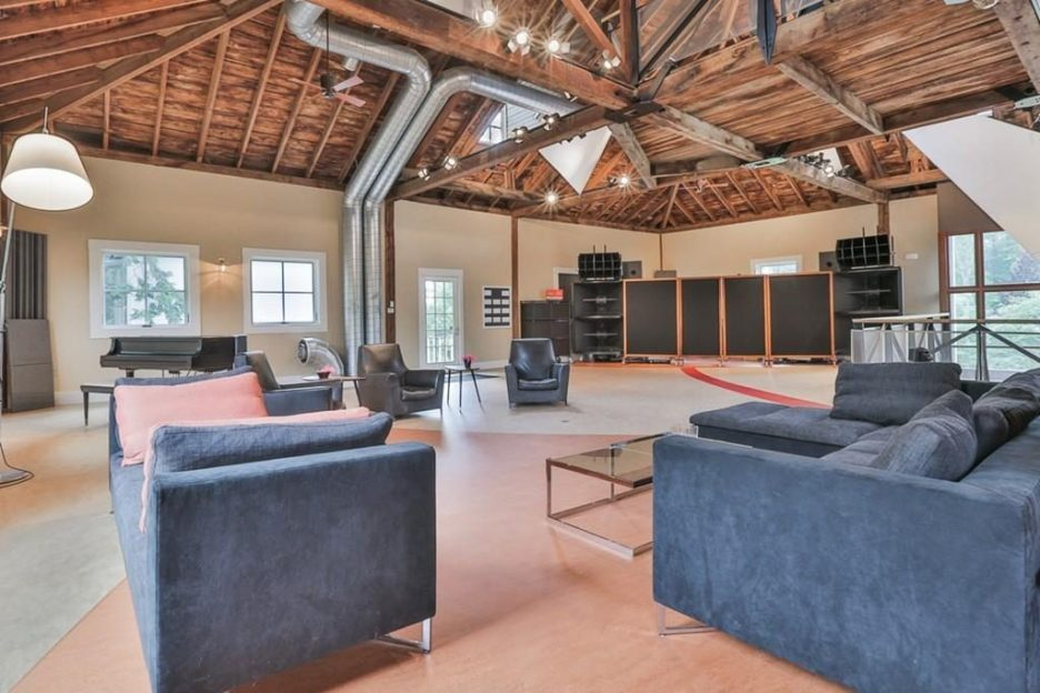 Newburyport modern carriage house conversion Andrew Sidford Architect interior 3