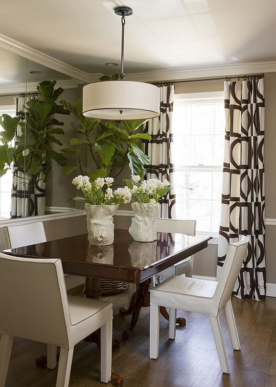 Liz Levin Interiors photo Angie Seckinger small dining room