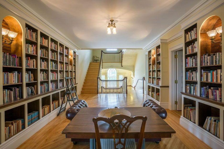 Burklyn Hall library