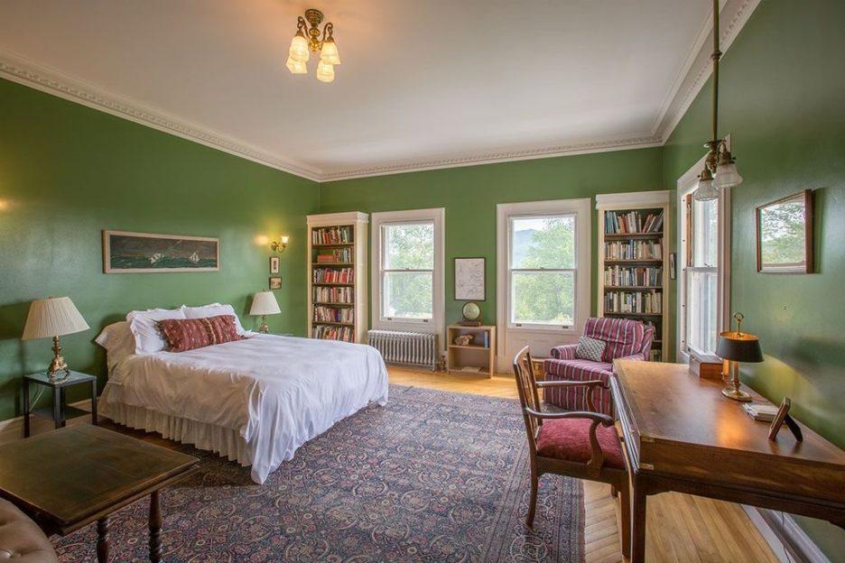 Burklyn Hall darker green bedroom