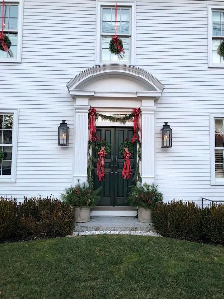 Newburyport Christmas decorations white house front door gas lanterns 2020 Holiday