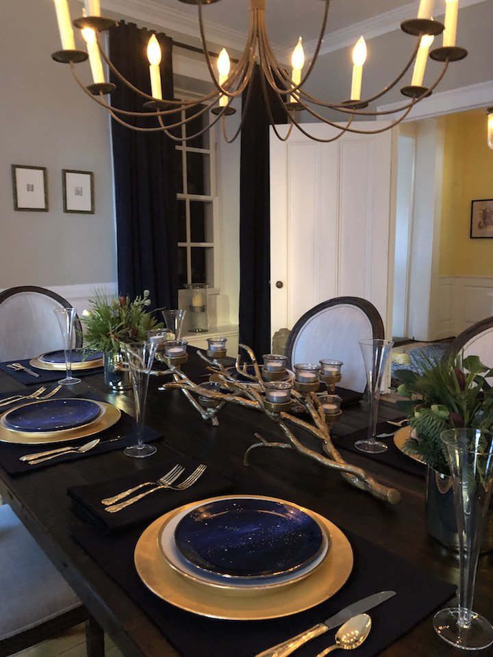 19 Federal Street kids table Christmas Holiday House Tour 2018