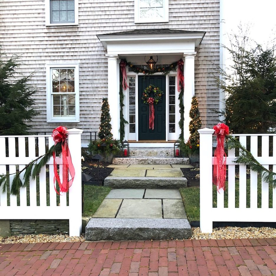290 High Street Newburyport Christmas decorations white house shingled side door closeup