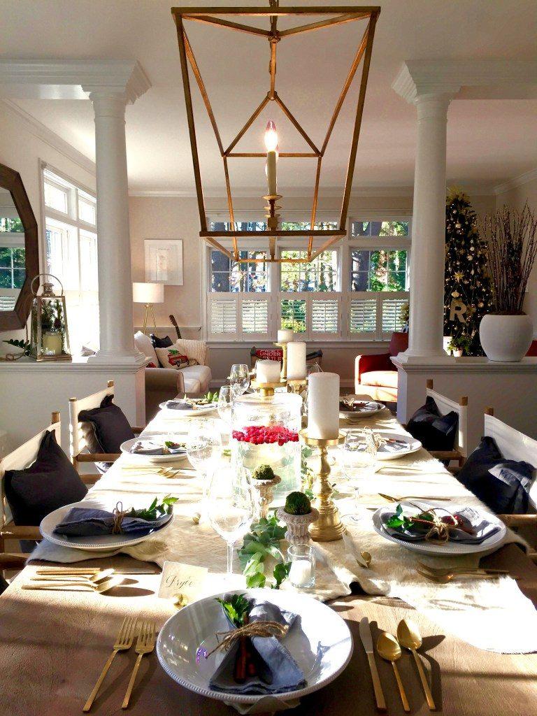 Newburyport Christmas dining room decorating
