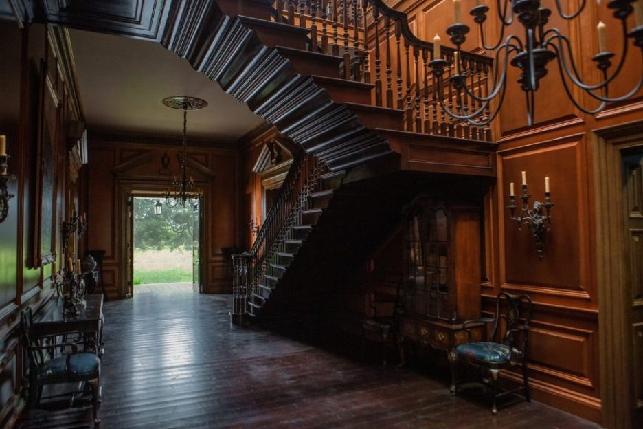 Starz Outlander River Run Hall and Staircase