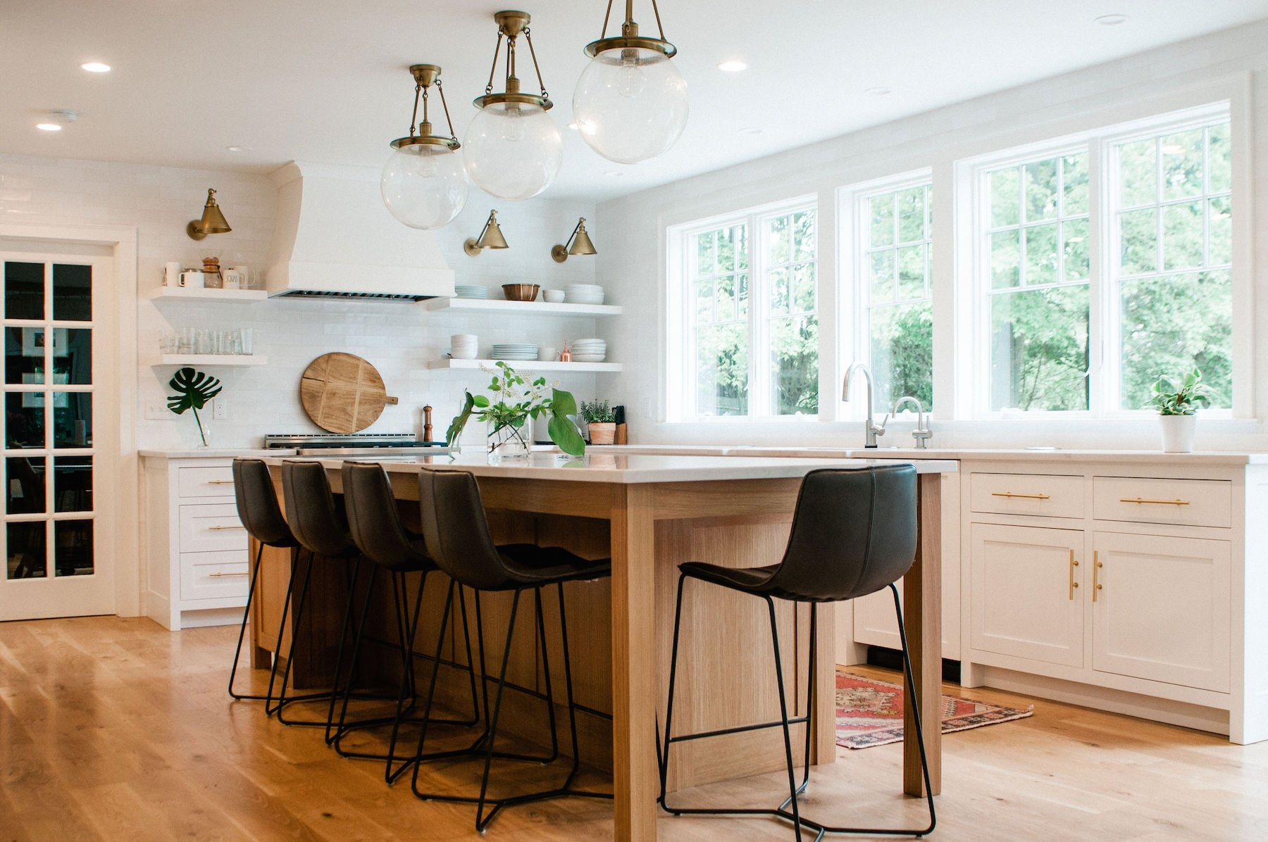 Newburyport Kitchen Tour 2019 Preview Holly Gagne Interior Design Meg Manion photographer