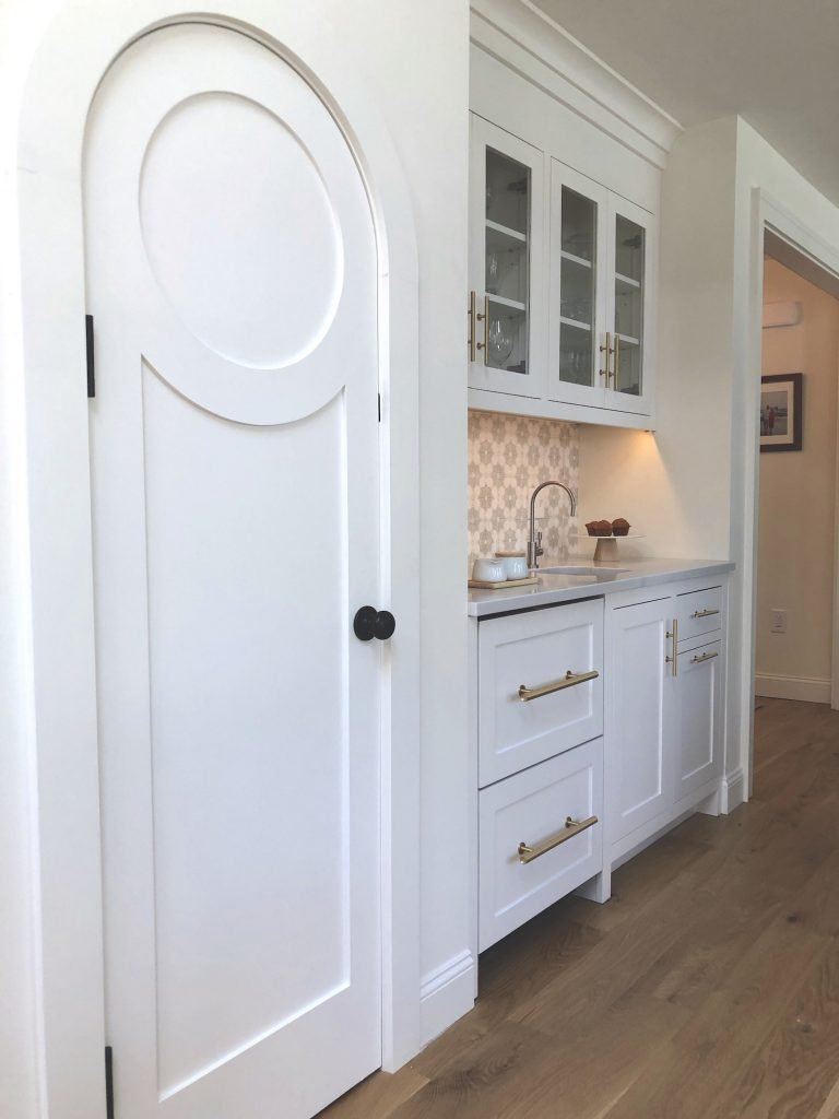 Christopher St Newburyport kitchen bar and pantry closet mid-size stylish kitchen