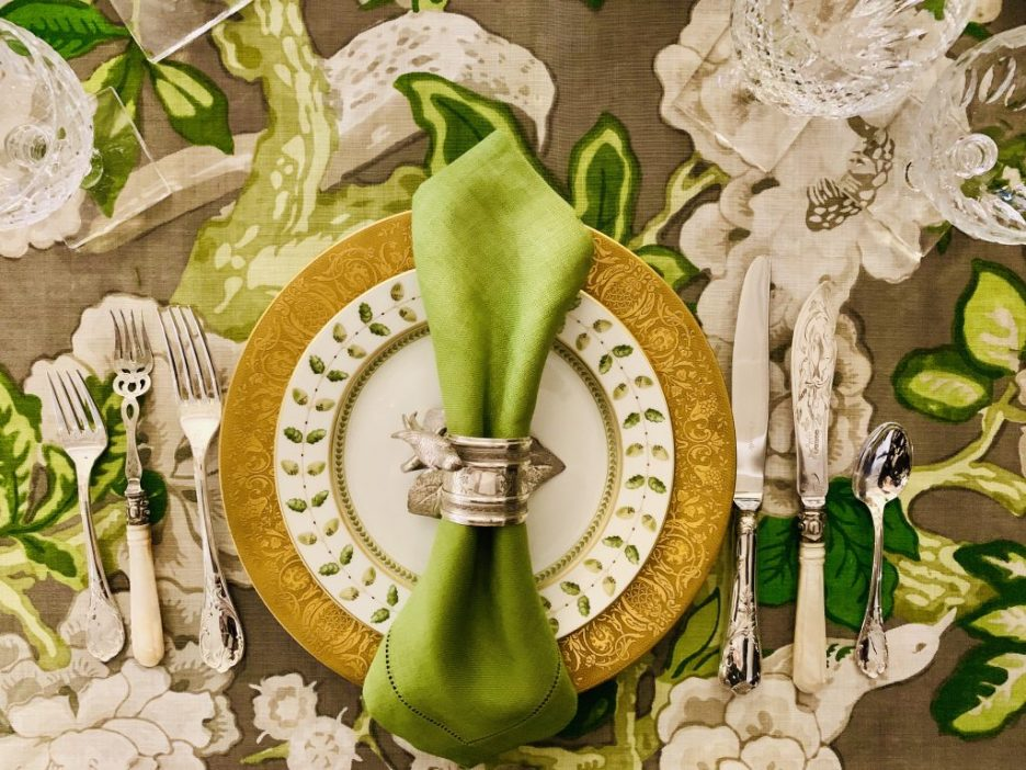 Designer Linda Weisberg Heading Home to Dinner 2019 beautiful tablescapes placesetting