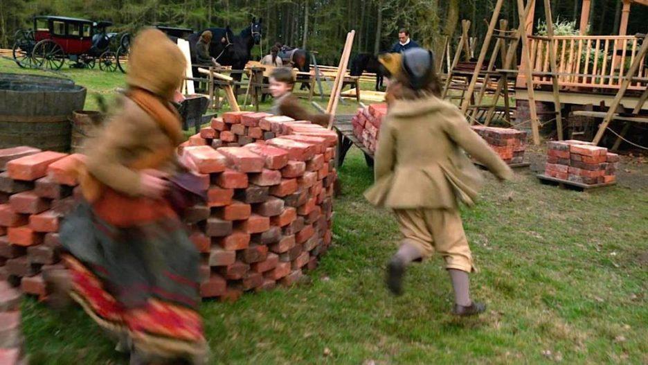 Starz Outlander the Ridge construction bricks materials yard outlander-online season 5