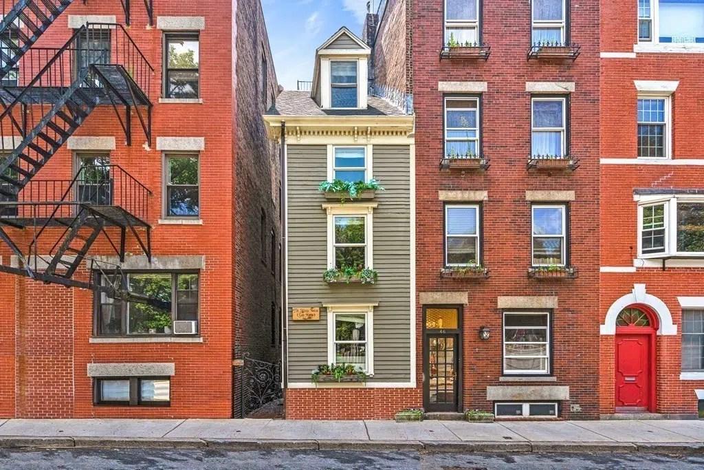 44 Hull St Boston Skinny House Spite House front exterior