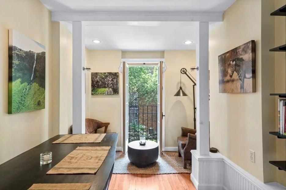 44 Hull St Boston Skinny House Spite House dining sitting room rear