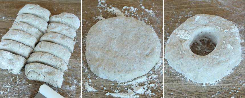 2. Knåda igenom degen på ett mjölat bakbord. Dela den i 12 bitar. Rulla dem till bollar med mjölade händer och platta dem till 1–2 cm tjocklek. Gör ett hål i mitten, ca 2 centimeter i diameter.