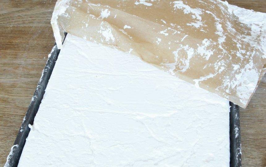 7. Grädda limporna längst ner i ugnen i 30–35 min. Låt dem svalna i formarna.