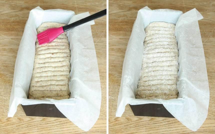 4. Pensla limpan med vatten och strö över lite rågmjöl. Låt den jäsa under bakduk i ca 30 min. Sätt ugnen på 250 grader.