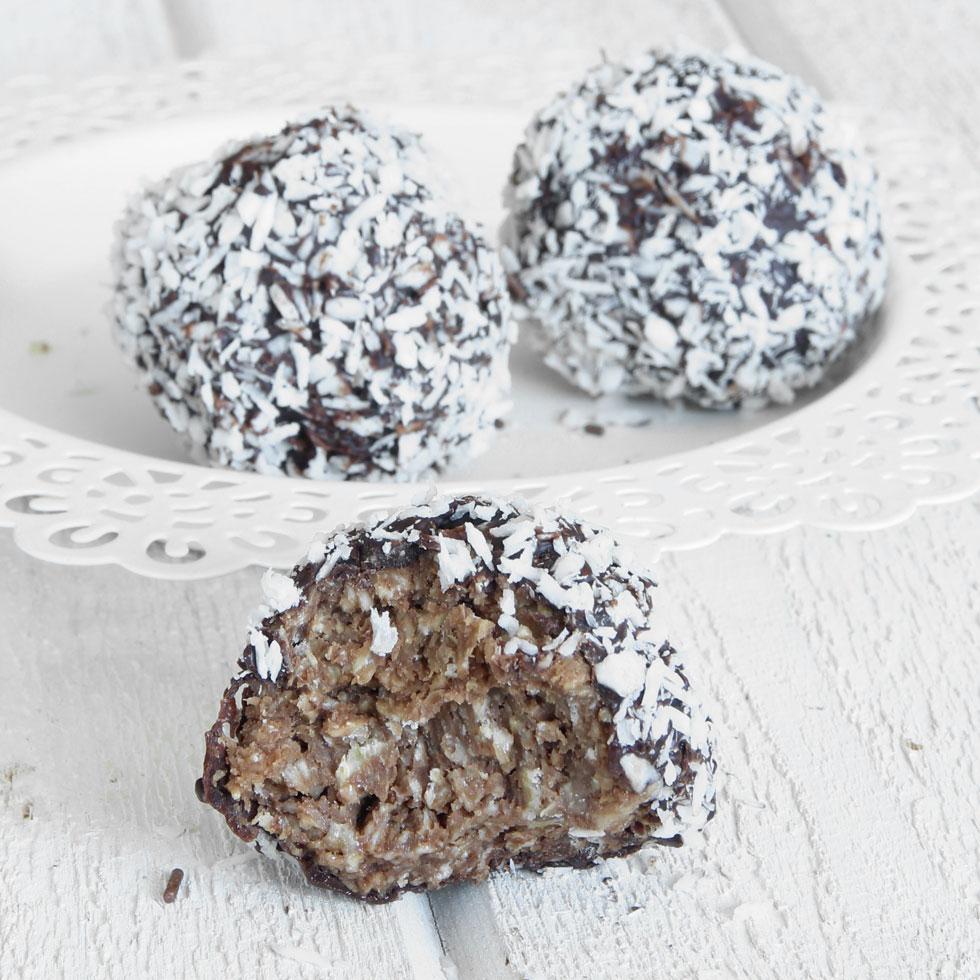 chokladbollar doppade i choklad