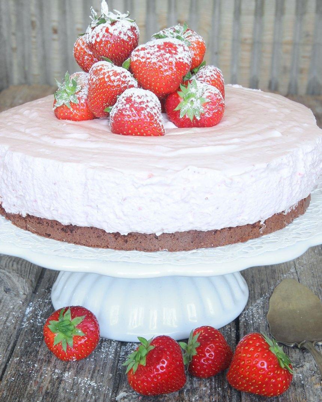 jordgubbsmoussetårta9