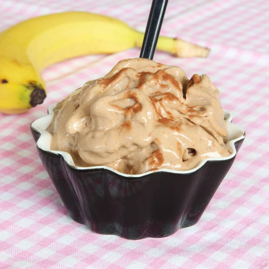 nyttig-chokladglass-på-banan7