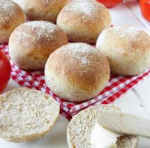 Rustika grahamsfrallor –supergoda till frukost! Klicka här för recept!