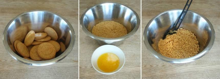1. Smula sönder digestivekexen i en bunke. Tillsätt smöret och blanda ihop allt till en smulig massa.