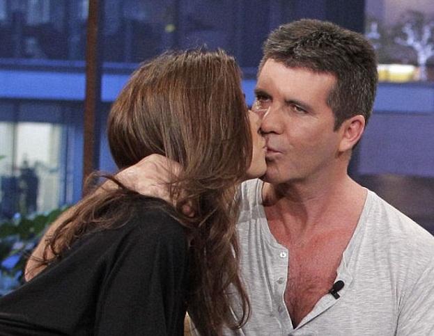 dating kyssing scene