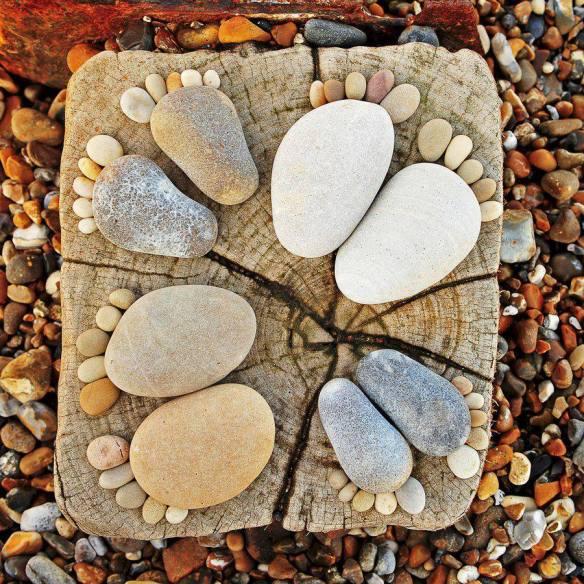 stein blir føtter bilde