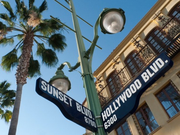 Skilt Sunset Blvd og Hollywood Blvd