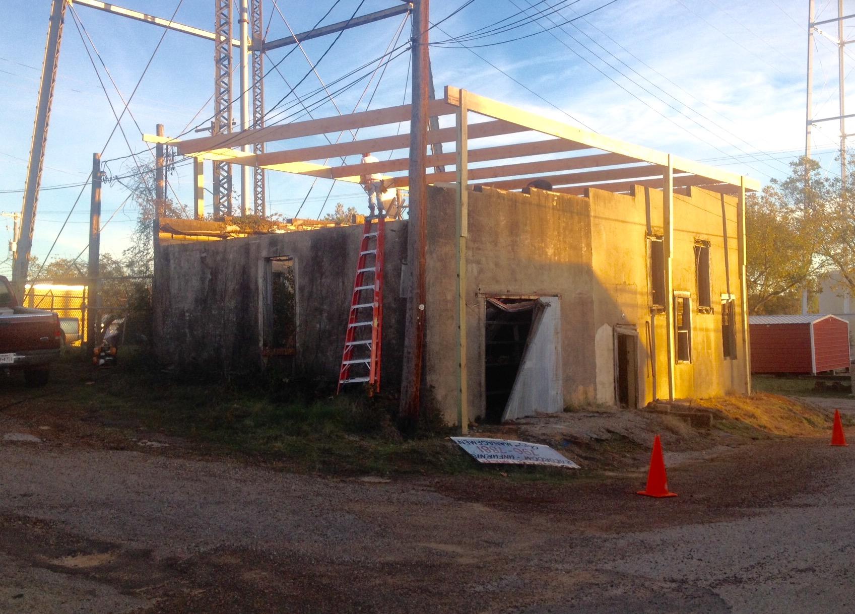 Construction of temporary roof 23 November 2015. Photo by John Noyes.