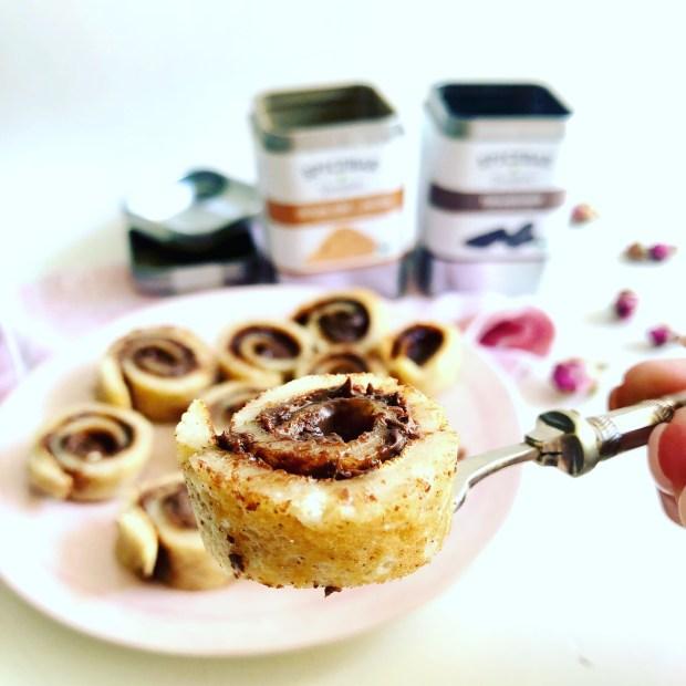 Aufgerollte und in Schnecken  geschnittene Zimt-Pfannkuchen  mit Toffitella